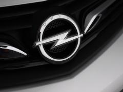 Opel-Ampera-E-53