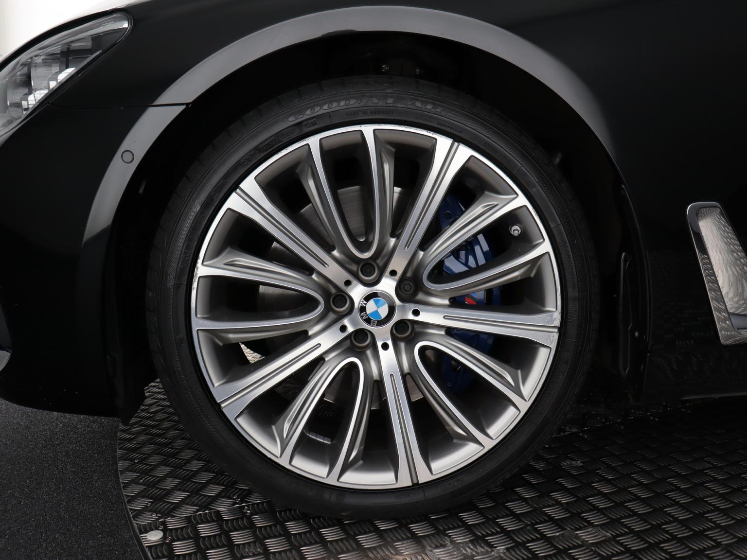 BMW-7 Serie-3