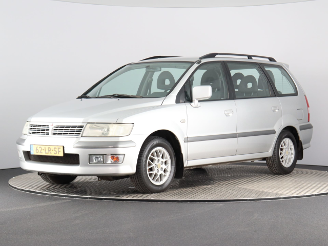 Mitsubishi-Space Wagon