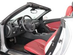 Mercedes-Benz-SLK-8