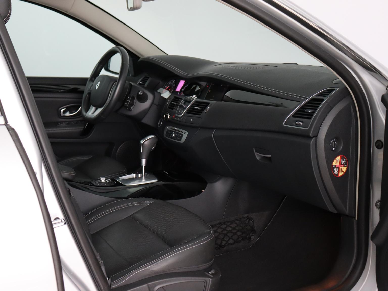 Renault-Laguna-47