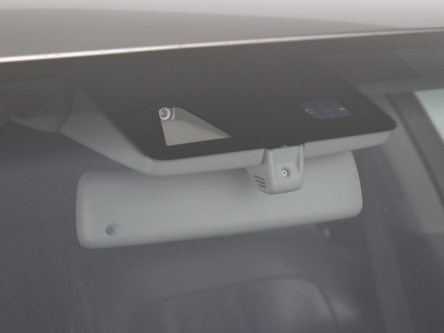 Volkswagen-Phaeton-61
