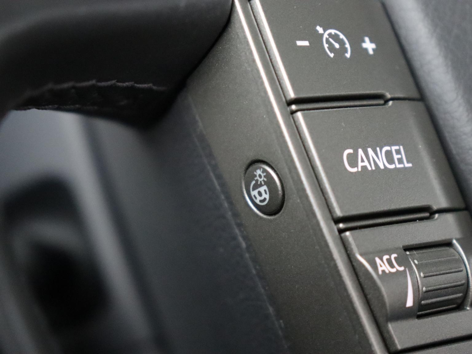 Volkswagen-Phaeton-35