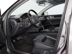 Volkswagen-Phaeton-8