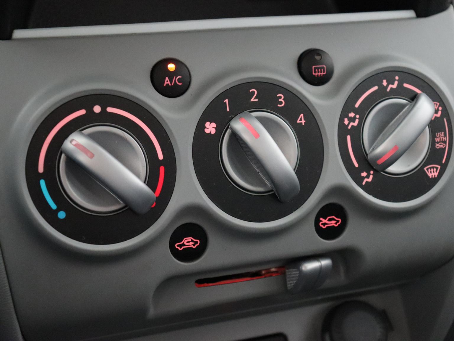 Suzuki-Alto-11