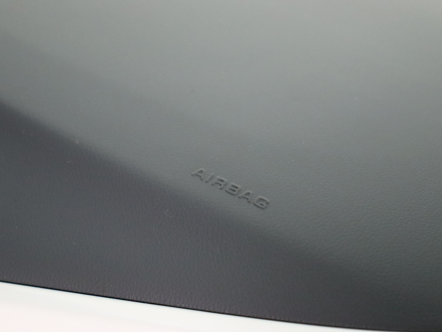 Opel-Ampera-E-45