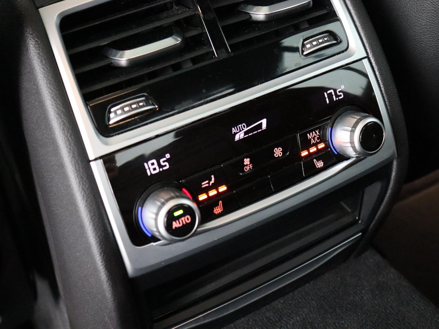 BMW-7 Serie-38