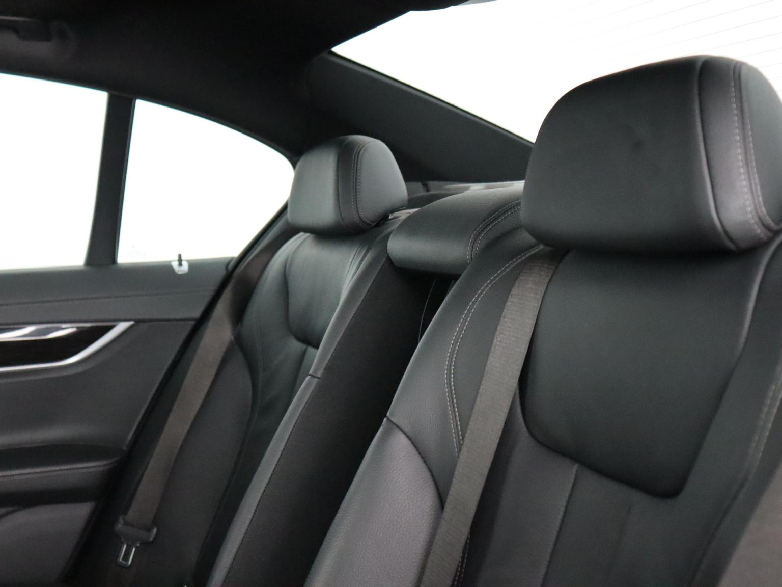 BMW-7 Serie-37