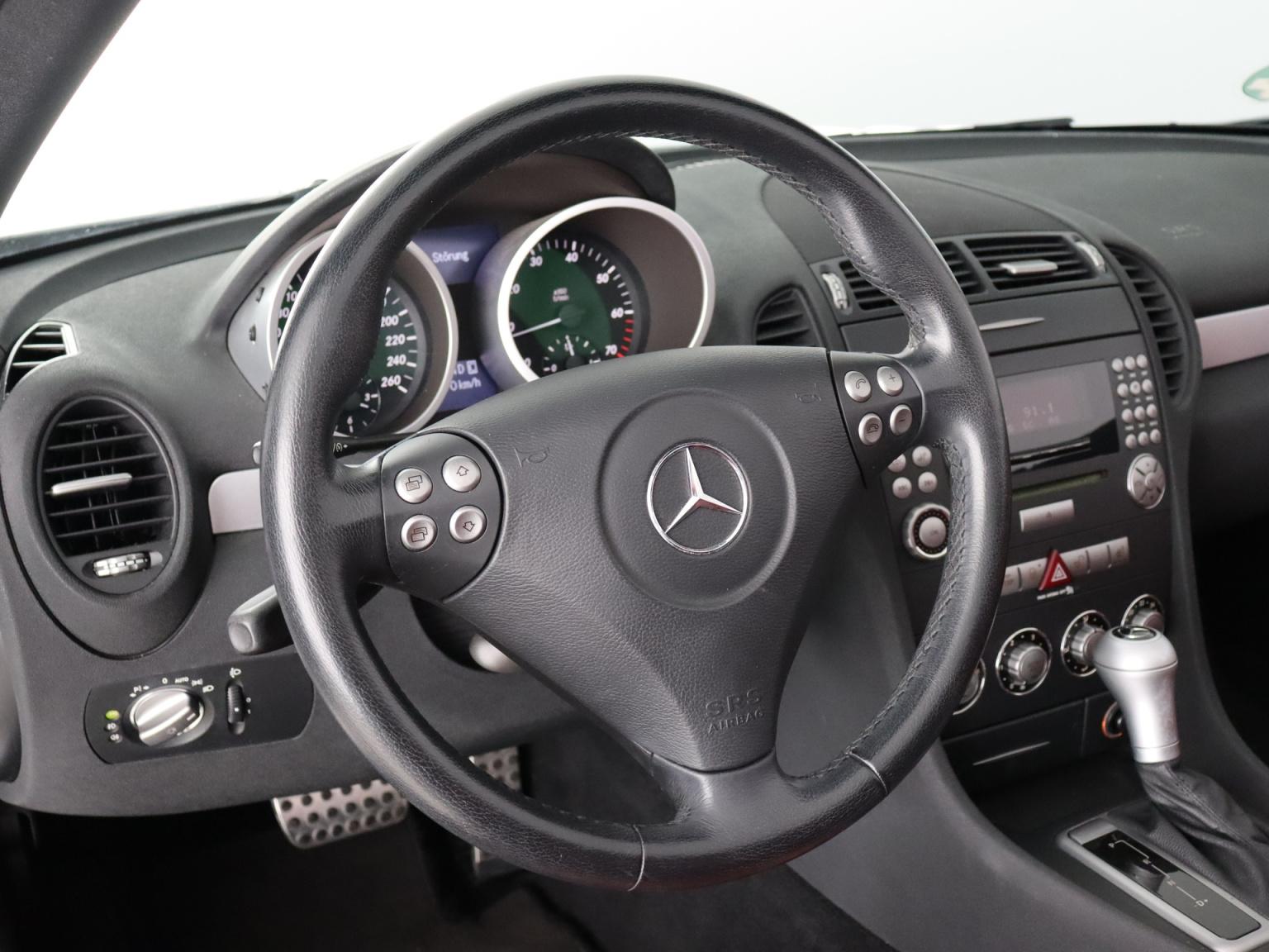 Mercedes-Benz-SLK-6