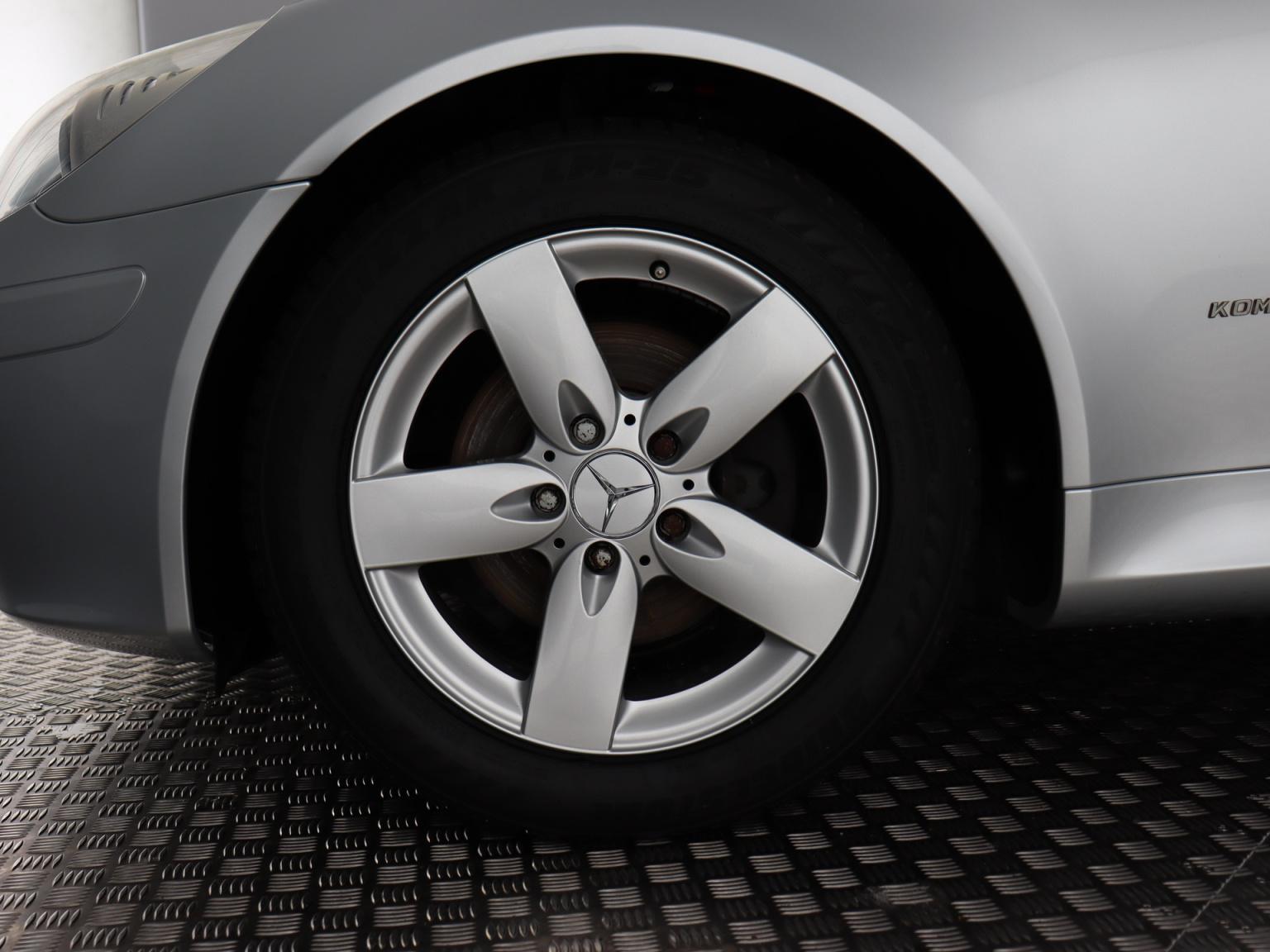 Mercedes-Benz-SLK-3