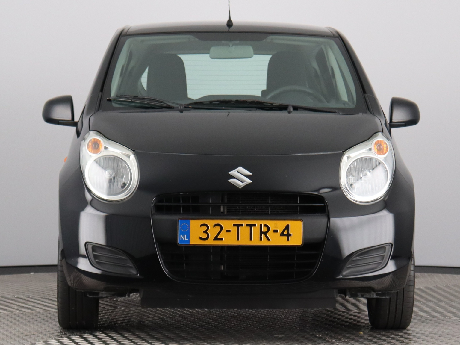 Suzuki-Alto-1