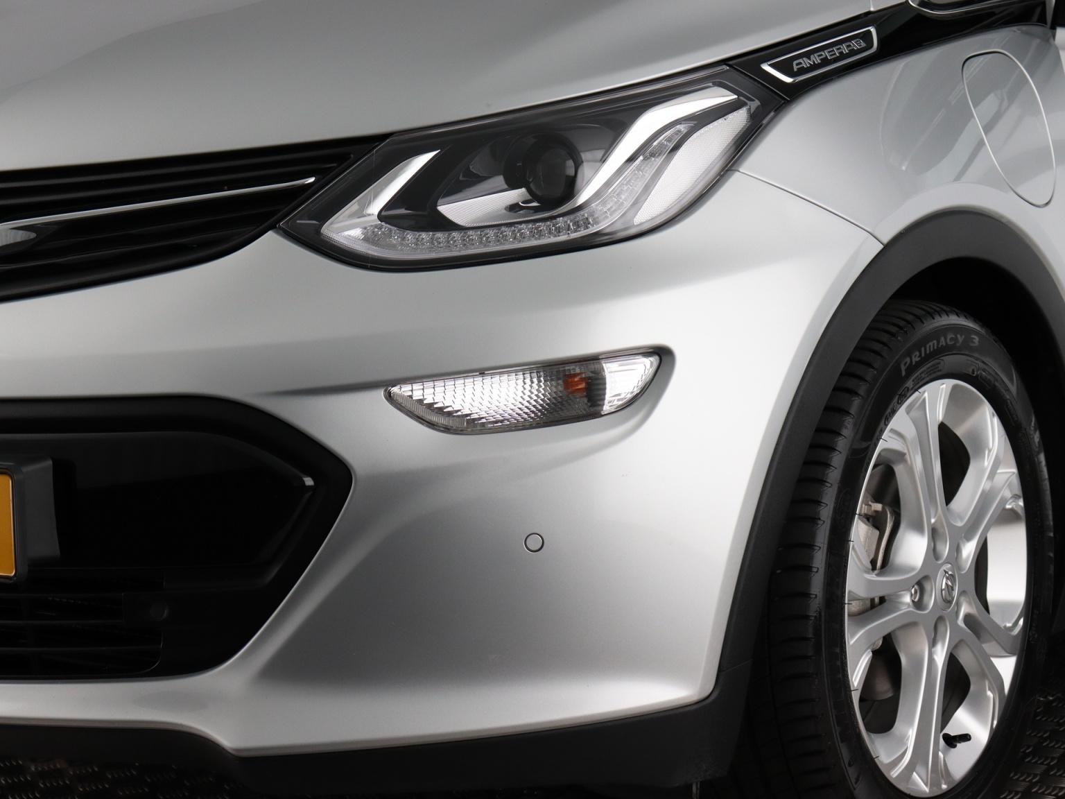 Opel-Ampera-E-4