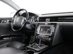 Volkswagen-Phaeton-55